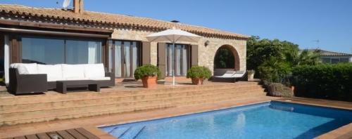 Reserve villa / house moreta