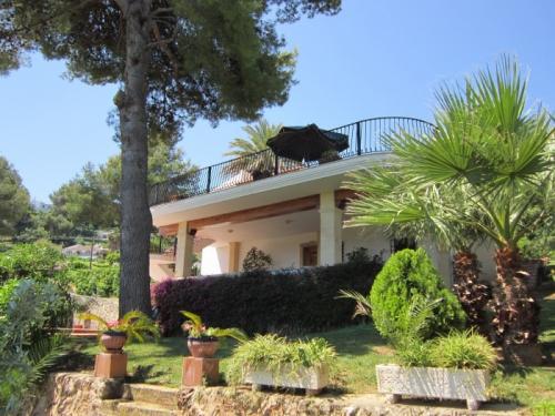 Rental villa / house carmen