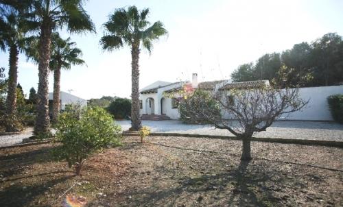 Villa / house sarah to rent in altea