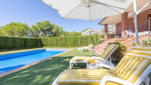 Villa / house alexandra to rent in lloret de mar