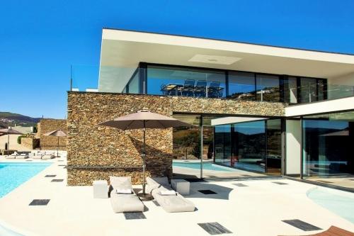Reserve villa / house la villa