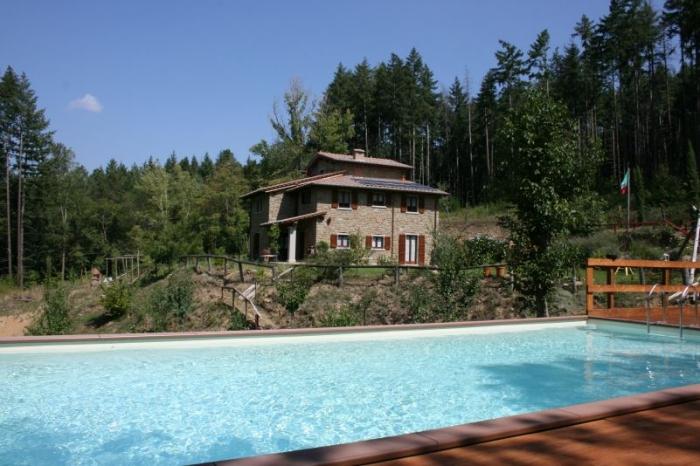 Villa / Maison Dans les bois à louer à Poggio d'Acona