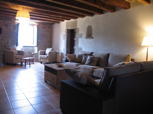 Villa / house arceda 13520 to rent in llobera