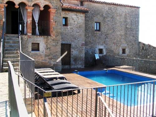 Villa / house serrateix 11434 to rent in serrateix