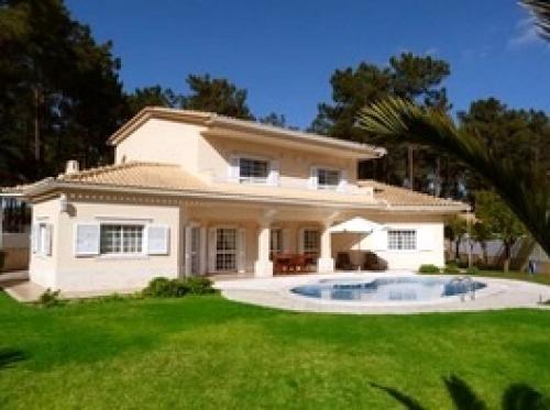 Villa / house CABRIS to rent in Aroeira