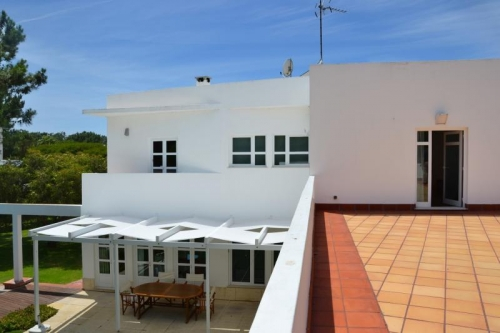 Villa / house pilea to rent in troia