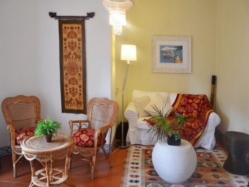 Villa / house calamba to rent in troia