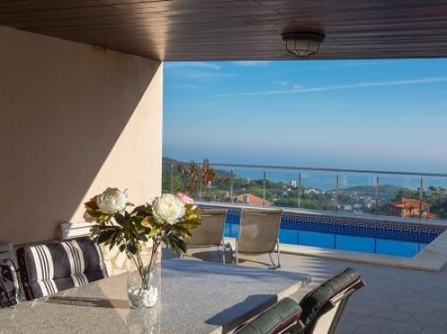 Villa / house londo to rent in lloret de mar - serra brava