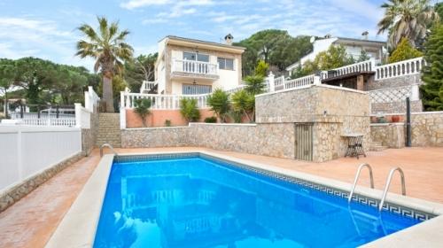 villa à Lloret de Mar - Serrabrava, vue : piscine