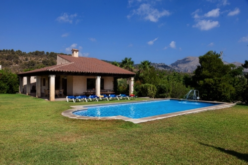 Villa / house Colombe to rent in Pollença