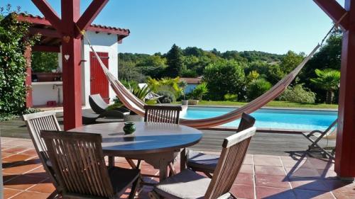 beautiful villa house la maison basque to rent in arcangues with maison du monde bayonne. Black Bedroom Furniture Sets. Home Design Ideas