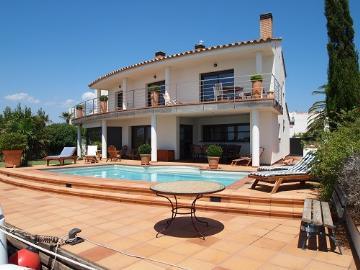 Rental villa / house santa margarita