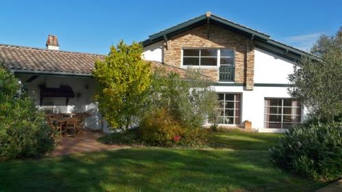 Villa / Maison Nouvelle vague à louer à Ahetze