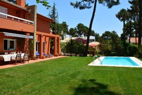 Villa / house Manine to rent in Aroeira