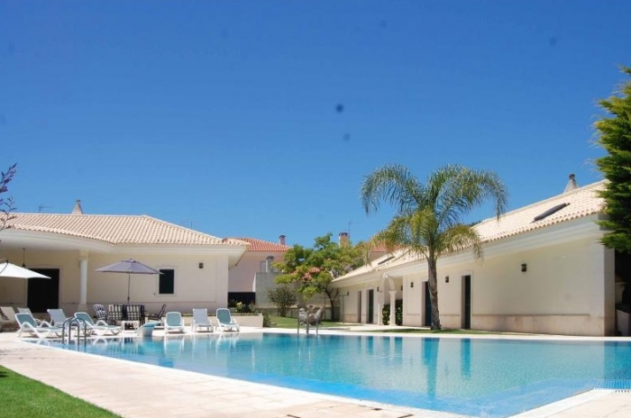 Villa / house Lilia to rent in Sesimbra