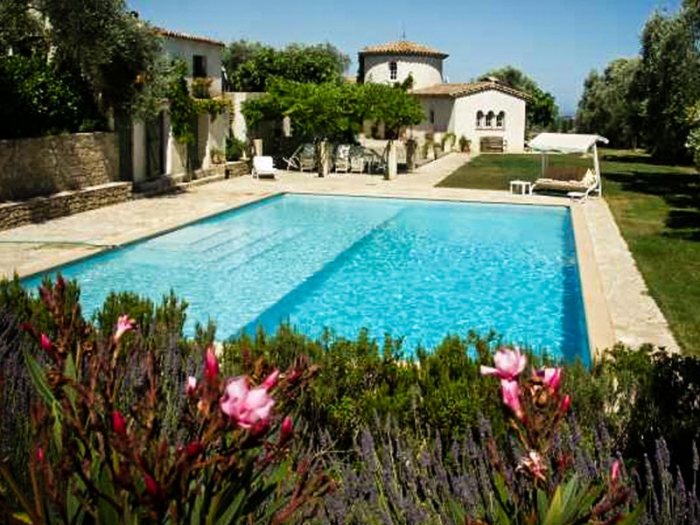 Villa / house Opera to rent in Valbonne