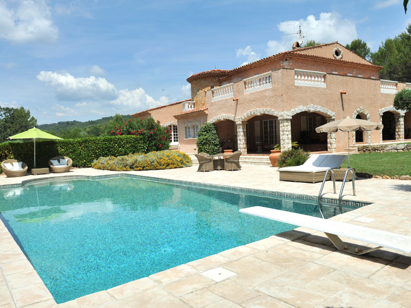 location villa draguignan 10 personnes dra1001