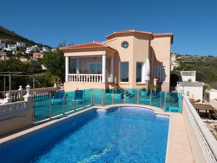 Villa / Maison Gentille à louer à La Cumbre del Sol