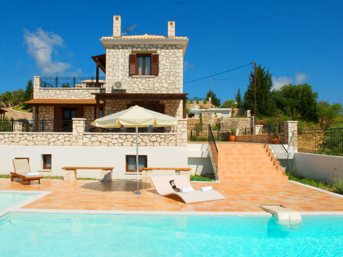 Villa / house Anemones 2 executive to rent in Lefkada