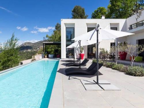 Villa / Maison Près d'Aspremont à louer à Nice