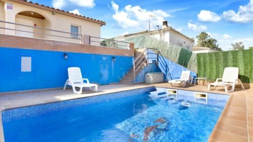 Villa / house ferrero to rent in lloret de mar - lloret blau