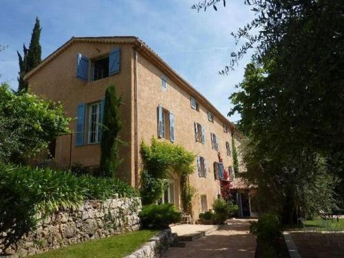 Villa / Maison Village de Spéracédes à louer à Grasse
