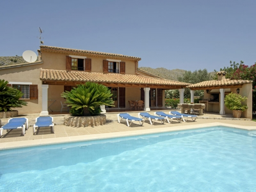 Villa / house Peonia to rent in Pollença