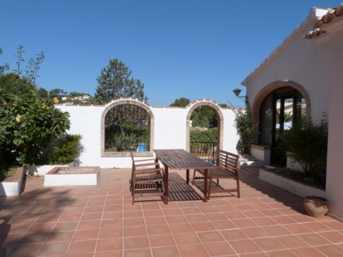 Villa / house pluma b steren to rent in javea