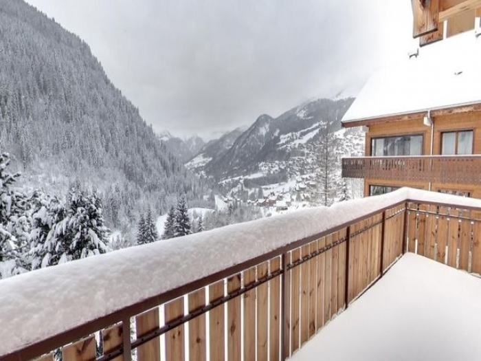Chalet Le Balcon des neiges to rent in Châtel