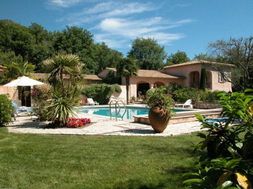 Villa / house Oasis de calme proche Vence to rent in Vence