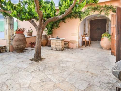 Villa / house Rouga to rent in Kalamitsi Alexandrou