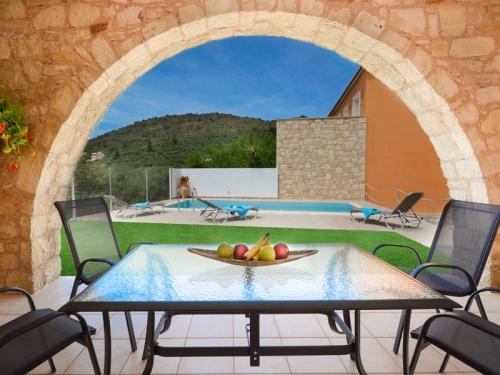 Rental villa / house silvia