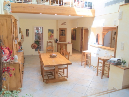 Villa / house air du temps to rent in le bar-sur-loup