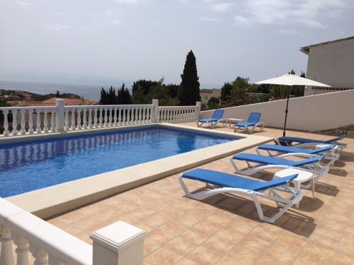 Location villa / maison mer et piscine