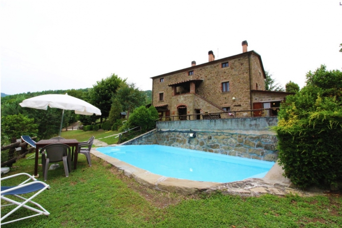 Villa / house Casaio to rent in Cortona