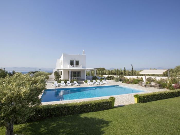 Villa / house Elena to rent in Loutraki