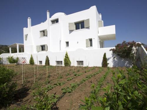Property villa / house elena