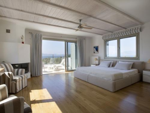 Reserve villa / house elena