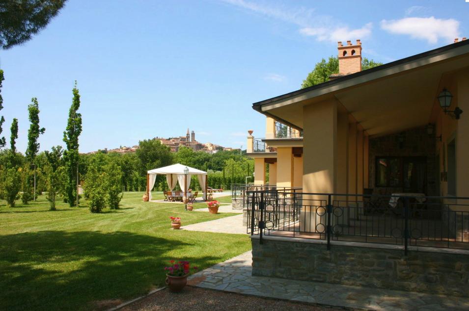 Location villa castiglion fiorentino 14 personnes ita1211 for Maison du monde 57 avenue d italie