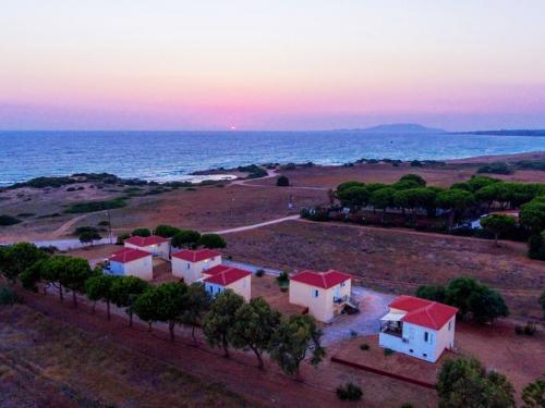 Greece : GCP404 - Navarino plage premiere ligne mer