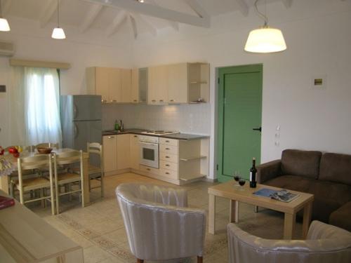 Rental villa / house navarino v