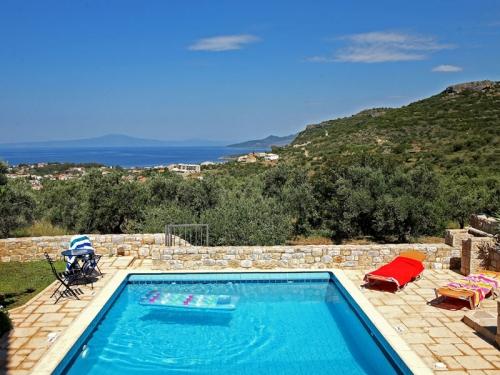 Villa / house MESSINI to rent in Stoupa