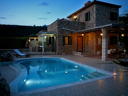 Villa / house Ino to rent in Stoupa