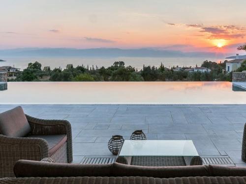 Villa / Maison Porto Heli piscine à débordement à louer à Porto Heli