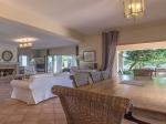 Rental villa / house petrothalassa front de mer