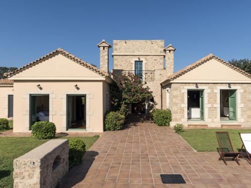 Location villa / maison skoutari baie