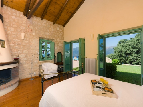 Reserve villa / house skoutari baie