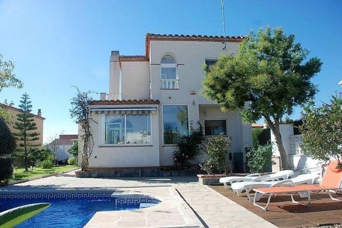 Villa / house Latino to rent in Ametlla de Mar