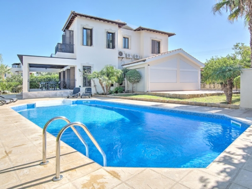 Villa / house quercus to rent in latchi
