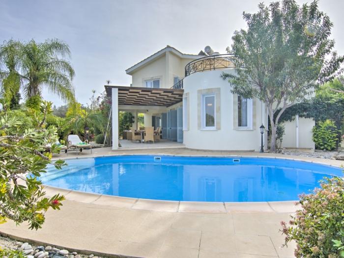 Villa / Maison Carob  à louer à Neo Chorio